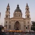 ブタペスト11 教会前での夜間コンサート